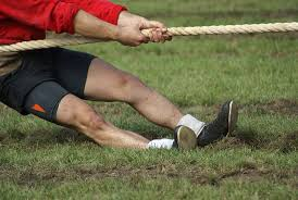 Picture_of_1_person_in_a_tug_of_war